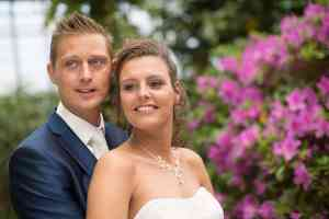 tevreden bruidspaar trouwfoto's Herberg Vlietzigt Rijswijk