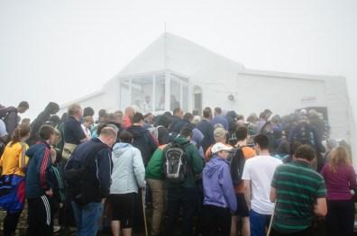 Mis op de top van Croagh Patrick