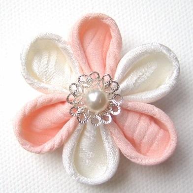 Kanzashi Flower Tutorial   How to make Kanzashi flowers