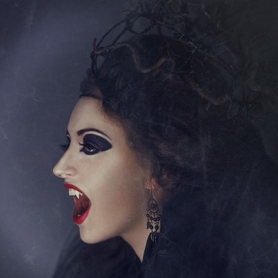 Halloween hairstyles for witches, vampires and movie stars