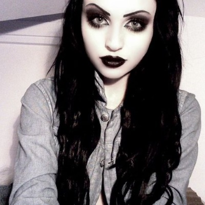 what is modern goth style a goth s guide to undated dark fashion