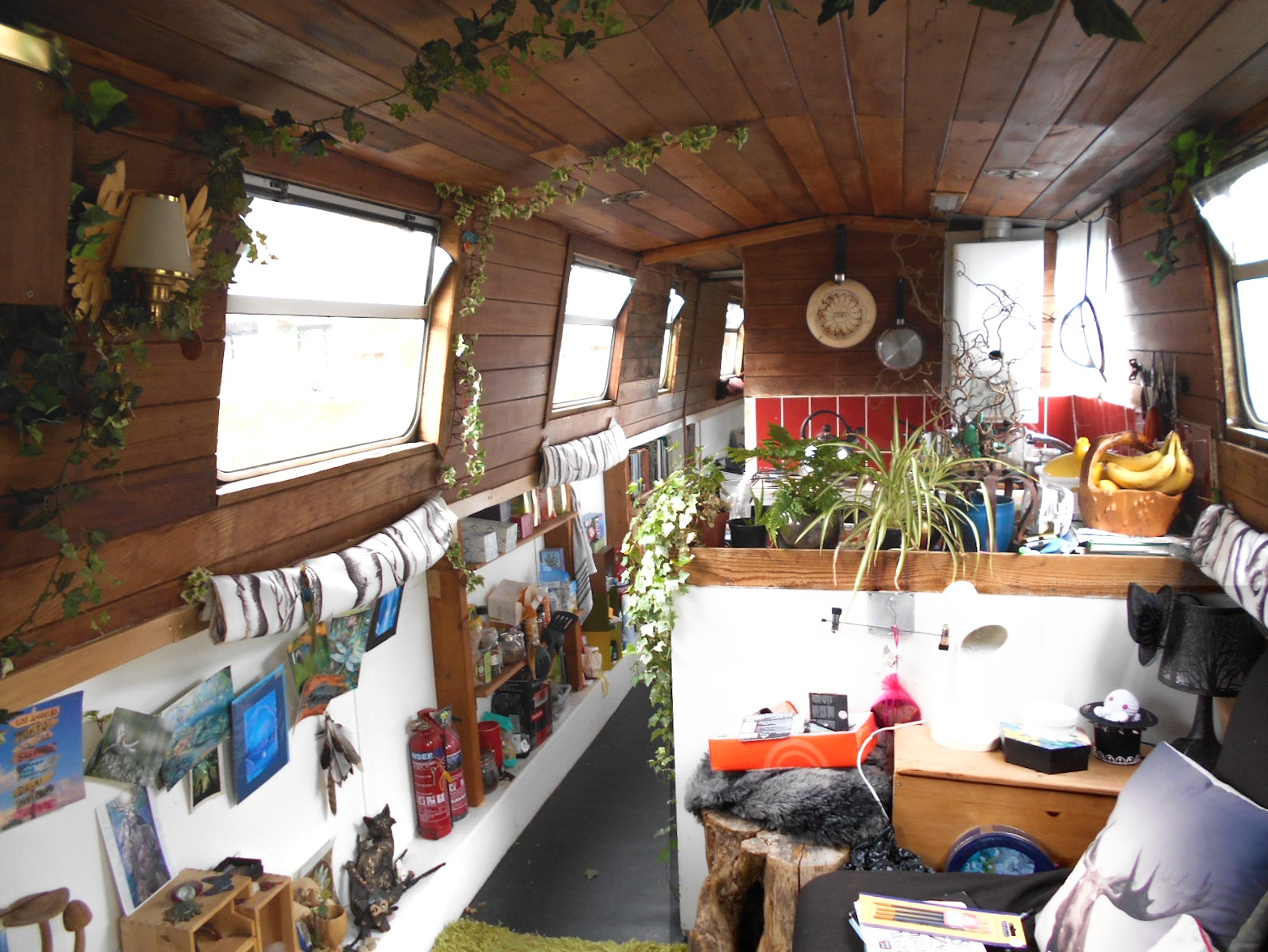 Living on a houseboat - my decorating tips for small spaces