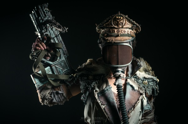Rad Roach Gear Raider Outfit Moritz Jendral Photography
