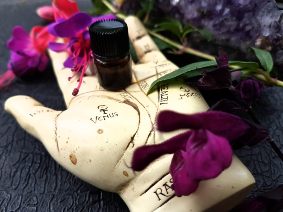 Indie fragrances Pyewacket Potions