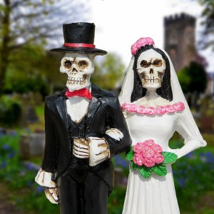 How to Plan a Spooktacular Halloween Wedding