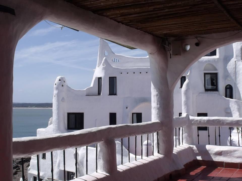 Muestra de Fotografía de MoonMagazine en Facebook. Casa Pueblo, Punta Balleba, Uruguay.  Elan Primo Marsiglia