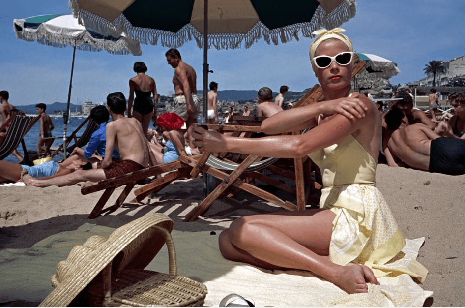 Atrapa a un ladrón: glamour bajo el sol del Mediterráneo. Grace Kelly, vestida para...