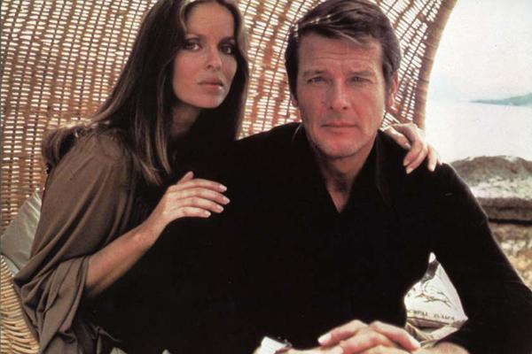 La espía que me amó. Moore, Roger Moore. Un Bond con sentido del humor .