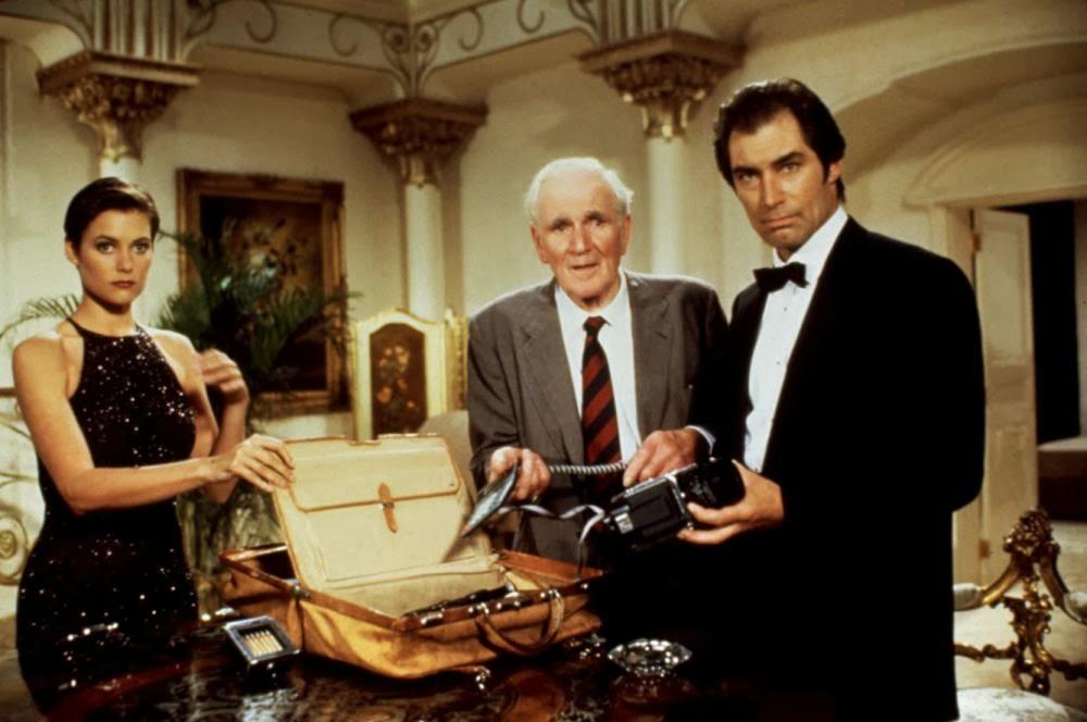 Timothy Dalton y Pierce Brosnan. Los Bond más breves. Artículo de Santiago Ruiz Mesa. Timothy Dalton en Licencia para matar.