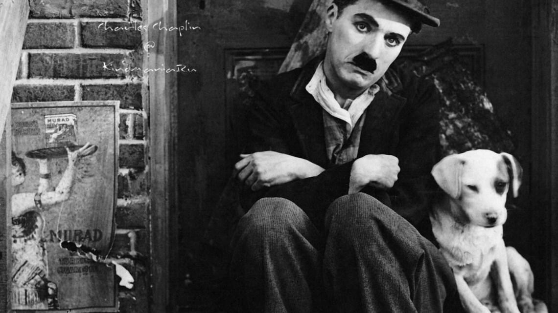 Charles Chaplin, la conciencia sonora del cine mudo. Charlot, un personaje que simbolizó la libertad y la justicia en el cine y fuera de él. Artículo de Txaro Cárdenas.