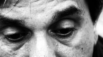 Txema Anguera, poeta en la luna de MoonMagazine. Página de autor.