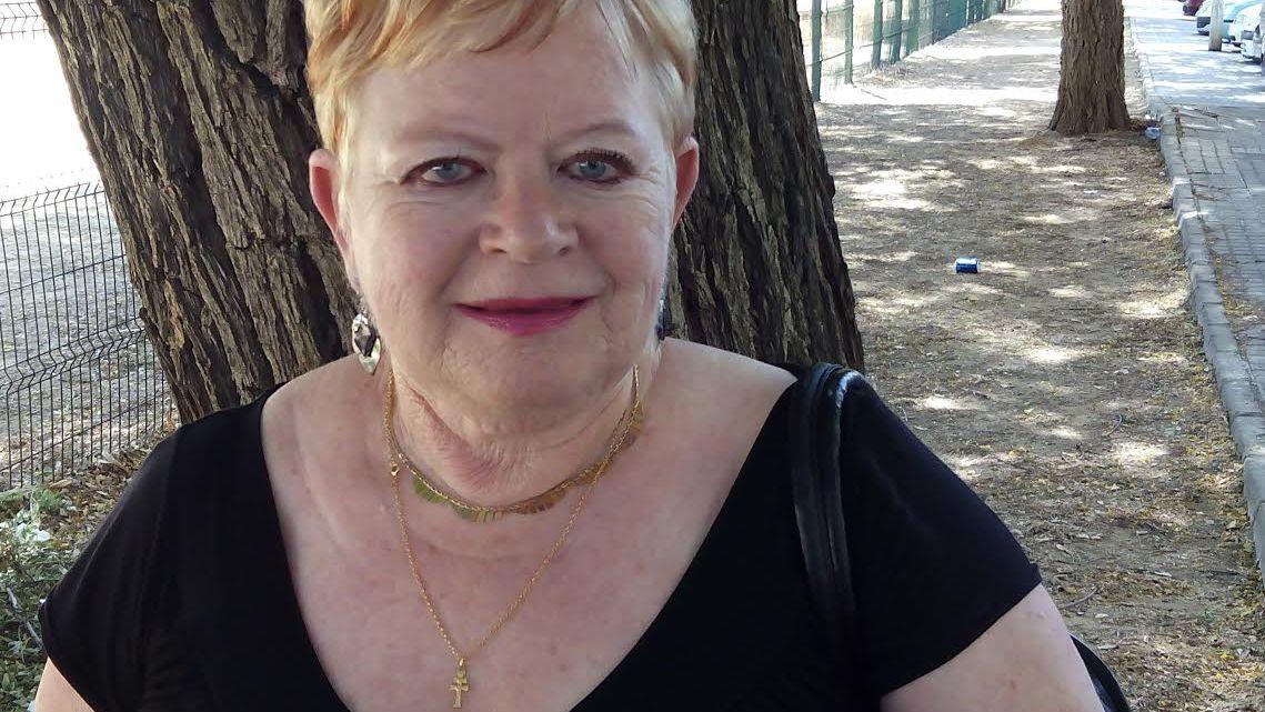 Antonia María Carrascal. Poeta, novelista y crítico literario. Colabora con eseñas poéticas y artículos en MoonMagazine
