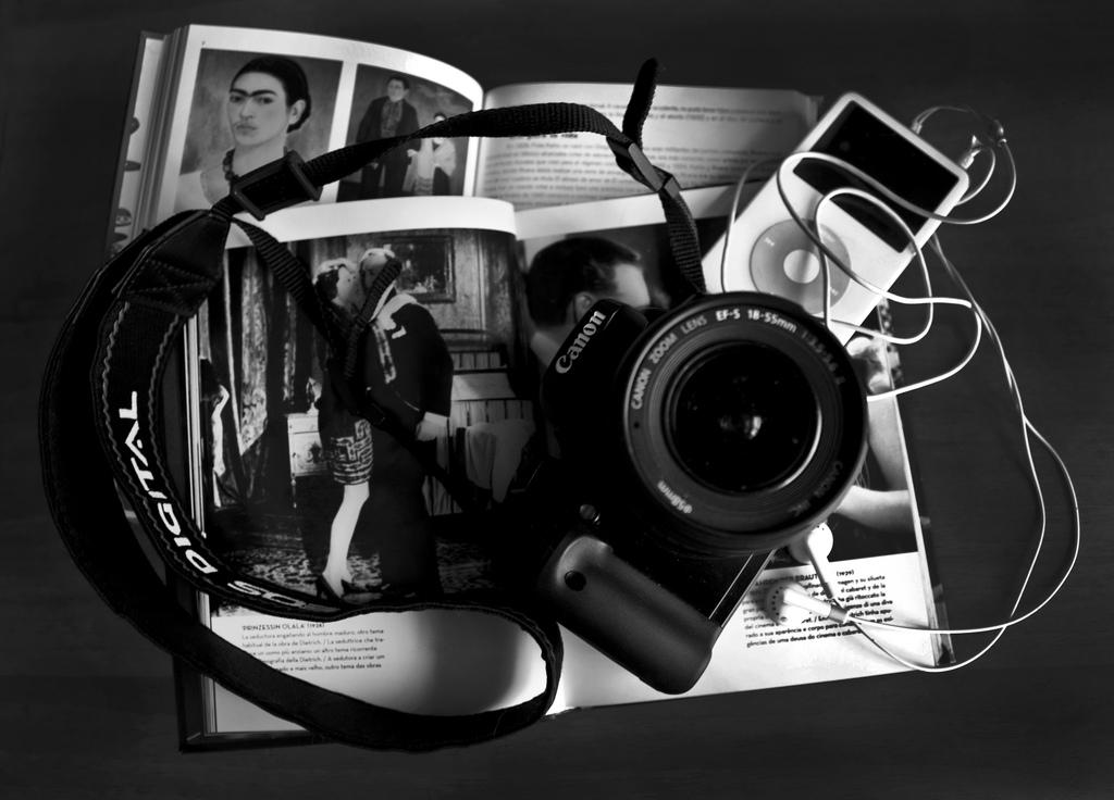 La fotografía moderna: Reflexiones sobre el fotógrafo, el arte de fotografiar y el peso de la fotografía como documento histórico 1