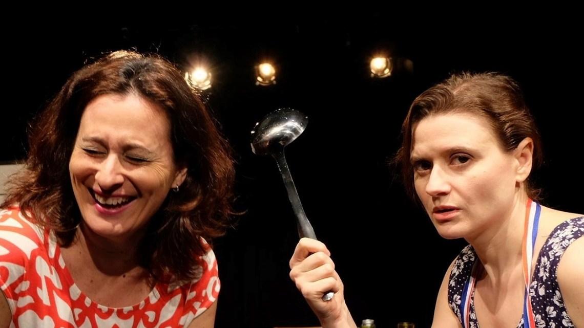 La extraña pareja, de Neil Simon, por Calibán Teatro