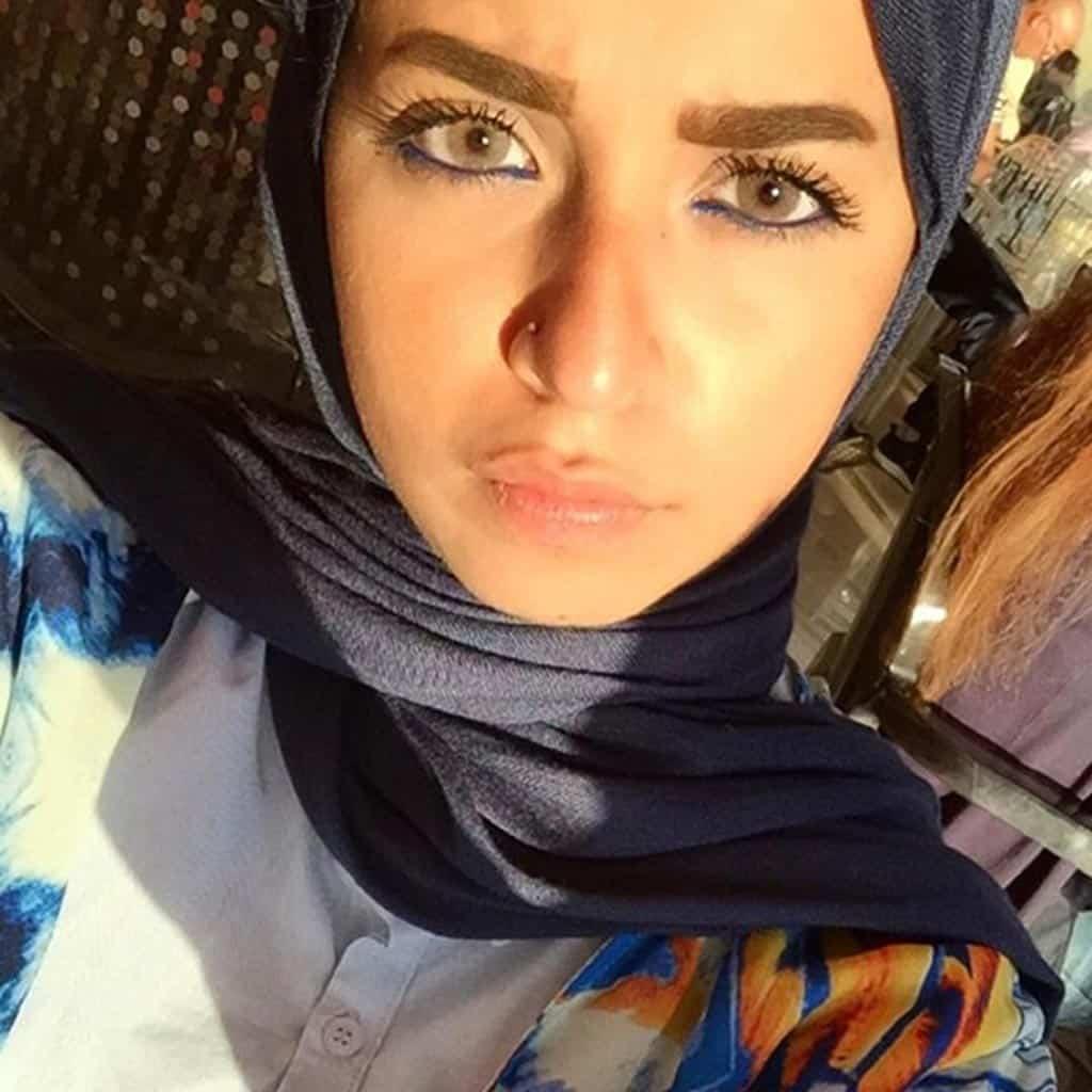 لما تدردش مع بنت مصرية الموضوع مش سهل خالص 1