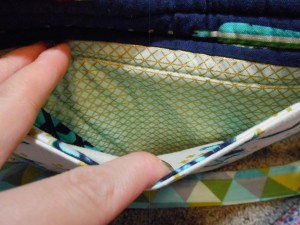 Aeroplane Bag Sew Sweetness exterior slip pocket