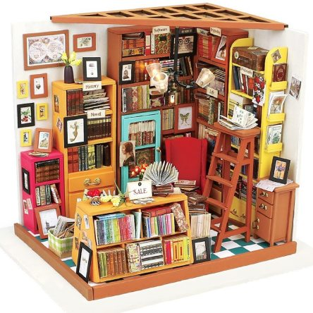 Miniature Colorful Wooden DIY Doll House with Furniture