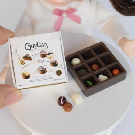 1:6 Miniature Mother's Day Boxed Chocolate Dollhouse Food Accessory