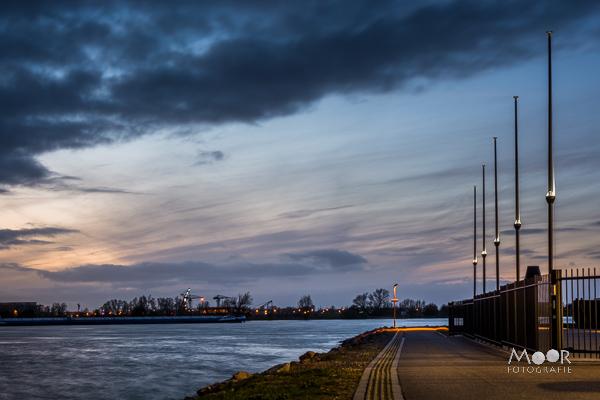 Woordloze Woensdag Avond Haven Merwede Werkendam Wolken Lange Sluitertijd Nachtfotografie