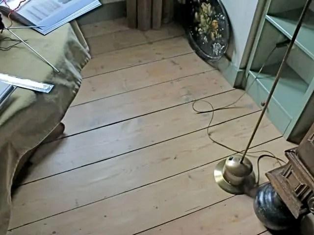 Houten Vloer Vuren : Houten vloer verven in matte kleuren moose färg