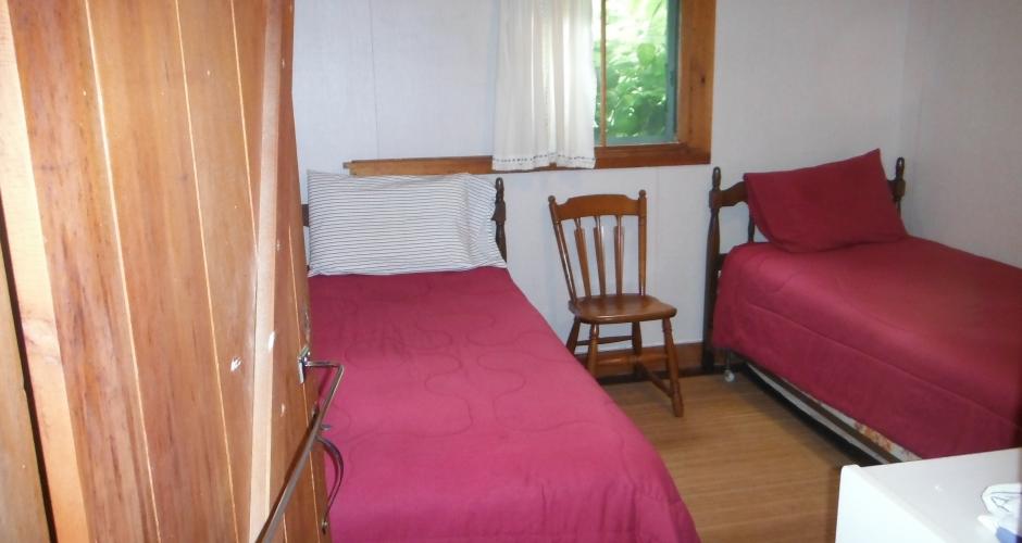 Landing 2 Bedroom w Twins
