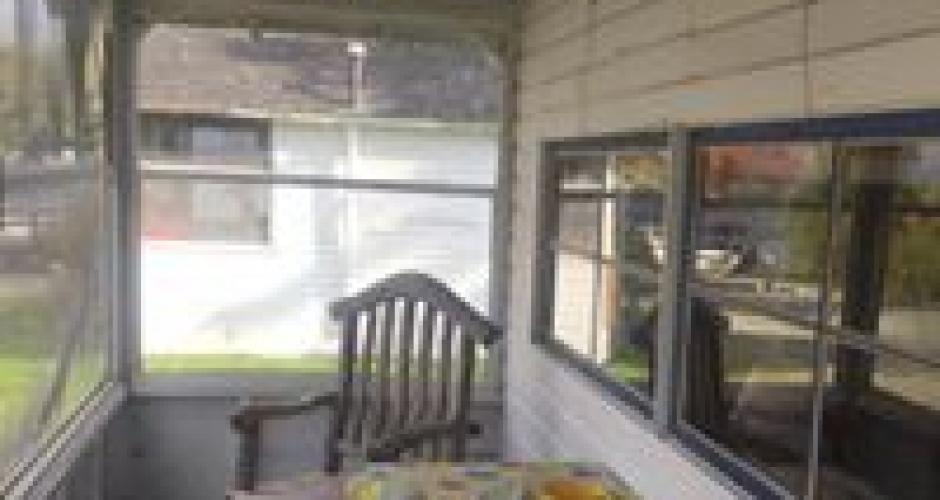 Rockwood Cottages Typical Porch