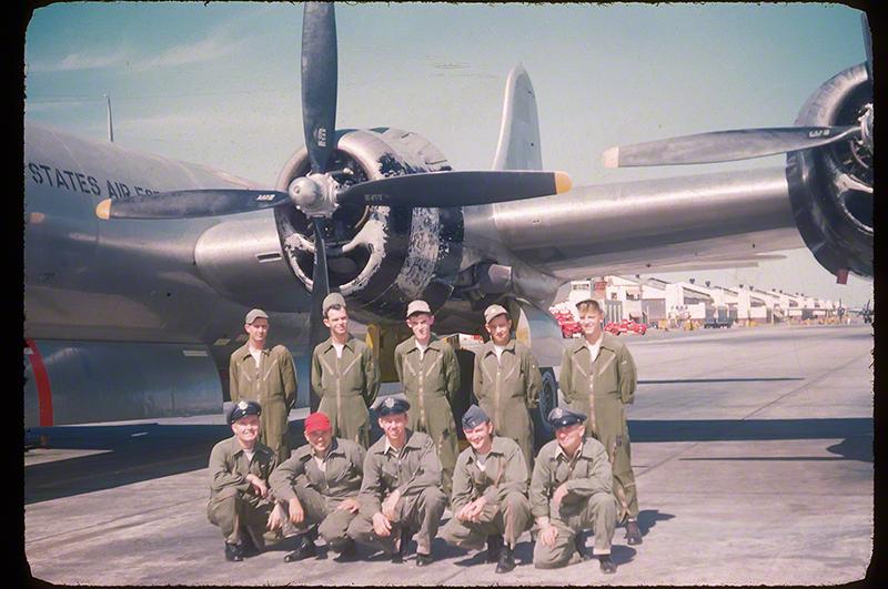 DP - Crew 50 RAFB 25 Oct'51c