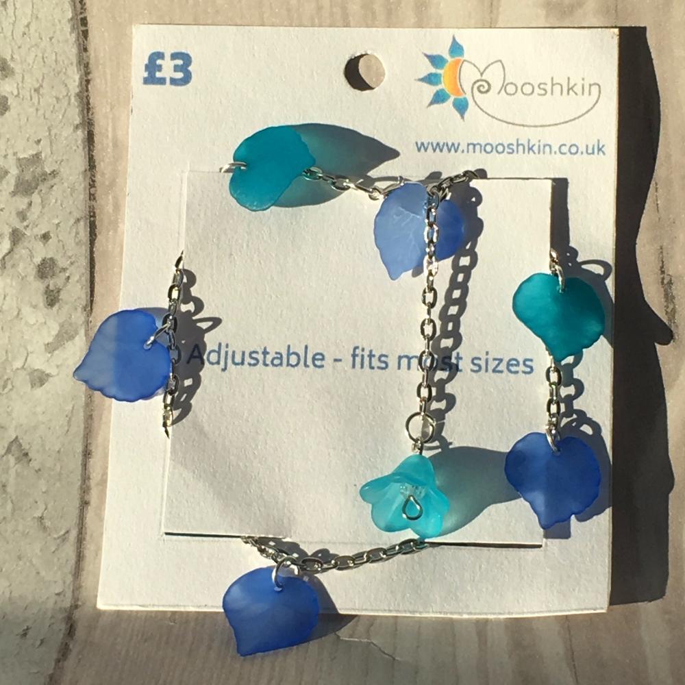 'kozmic bluez' leaf bracelet