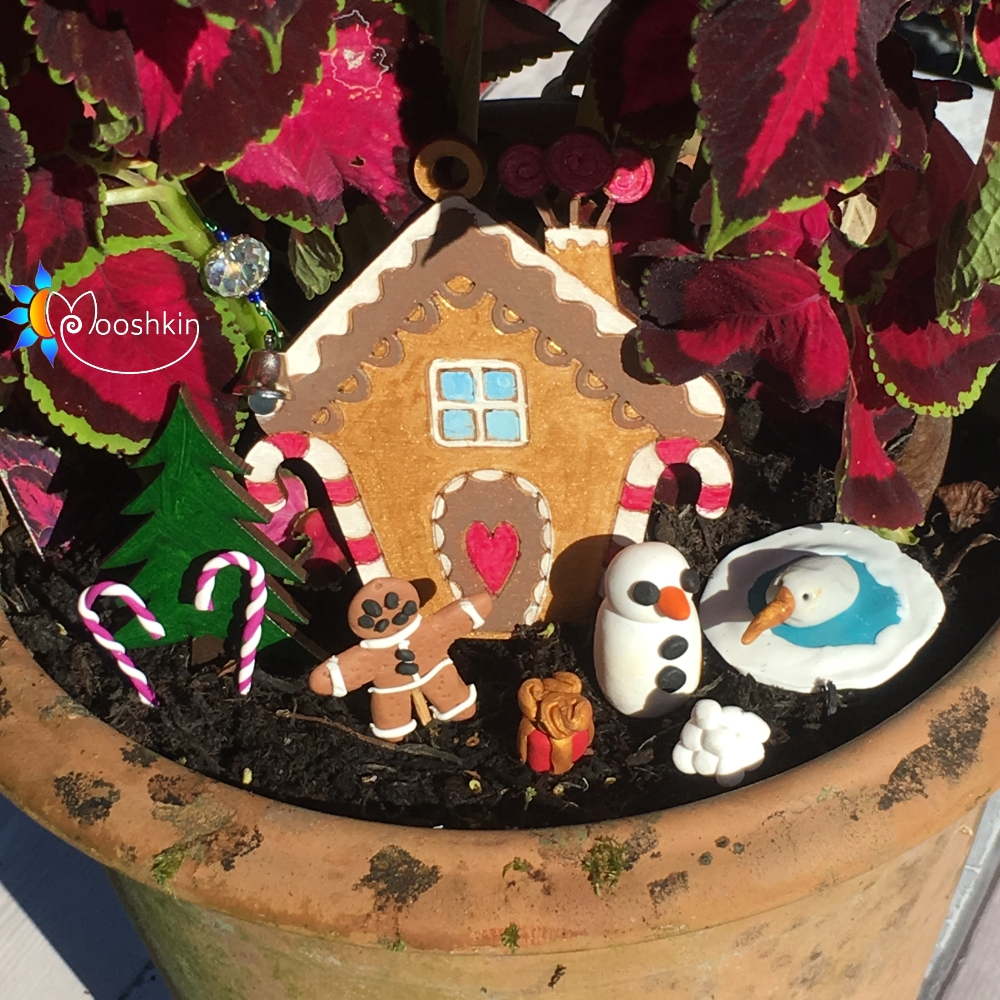 Hand made North Pole flowerpot decorating kit