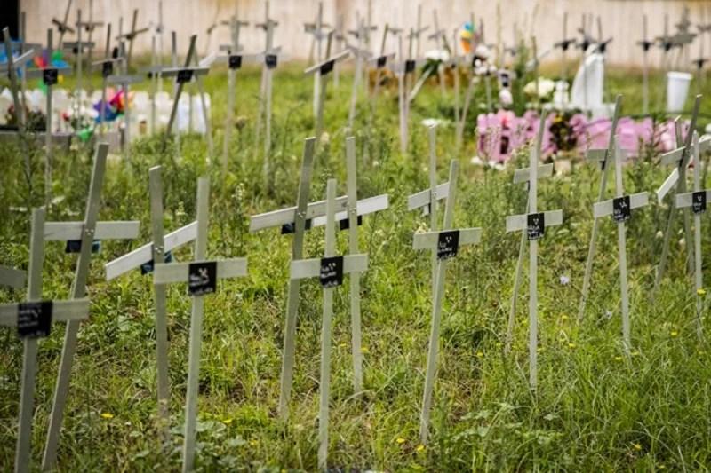 Italia: Mujeres que sufrieron abortos descubren cementerio con sus fetos enterrados sin permiso y con sus nombres