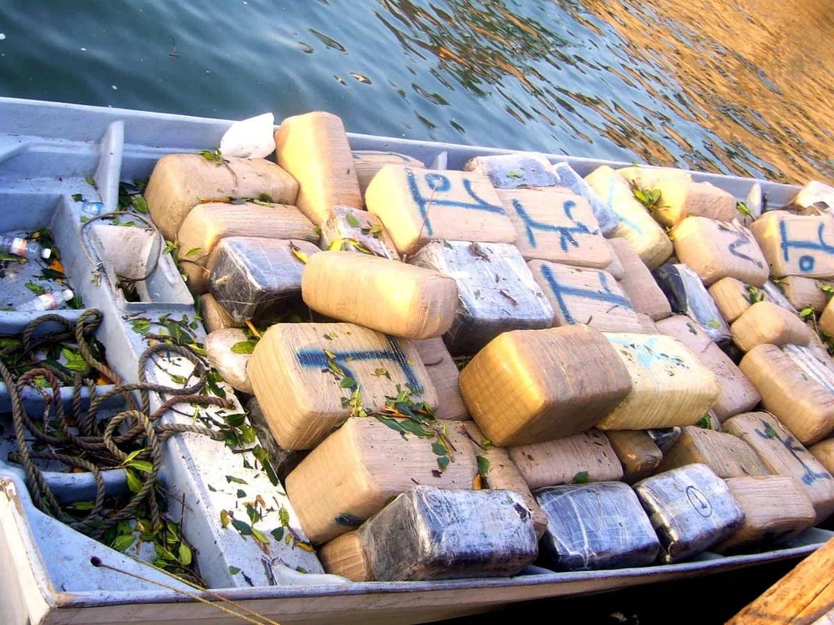 """Encuentran barco fantasma con 649 kilos de cocaína a bordo tras """"uno o dos años"""" a la deriva"""