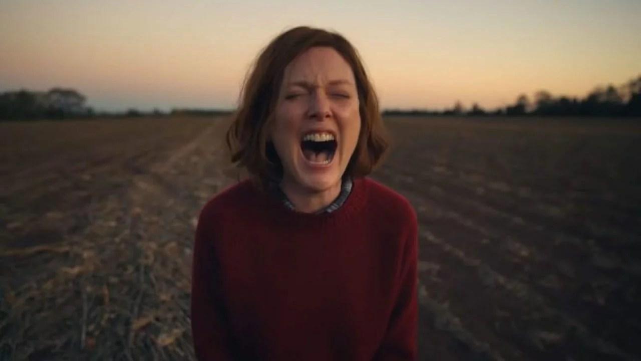 """""""Lisey's Story"""": El chileno Pablo Larraín dirige a Julianne Moore en esta adaptación de Stephen King"""