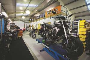 From TT racers to the new Yamaha MT09, Maxton supply riders from around the world.