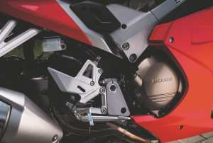 HondaVFR800-YM14-031
