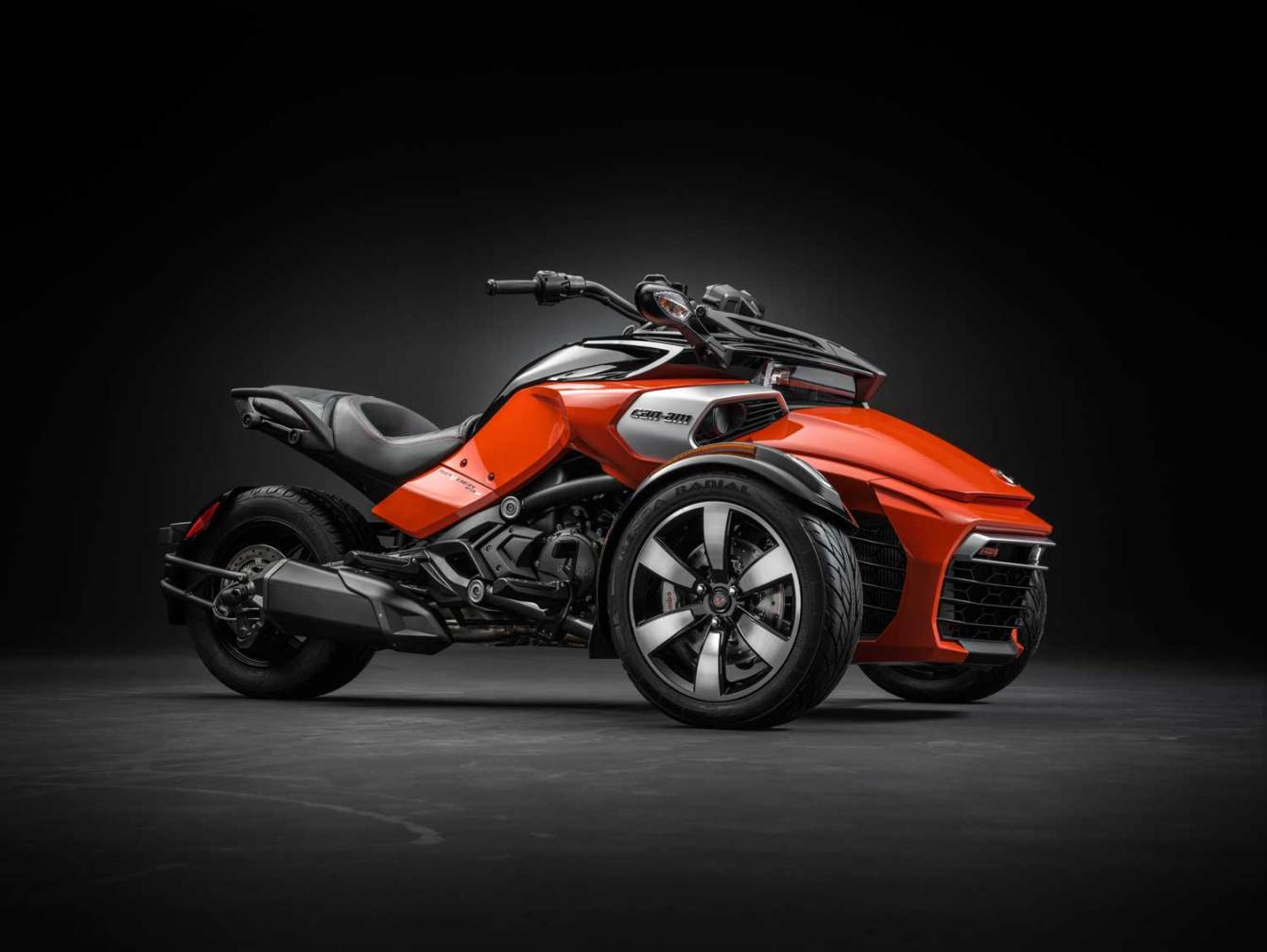 2015-Can-Am-Spyder-F3-003