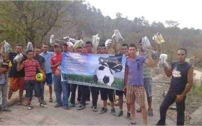 Shoes and Soccer Balls Donation in Oropoli, Honduras