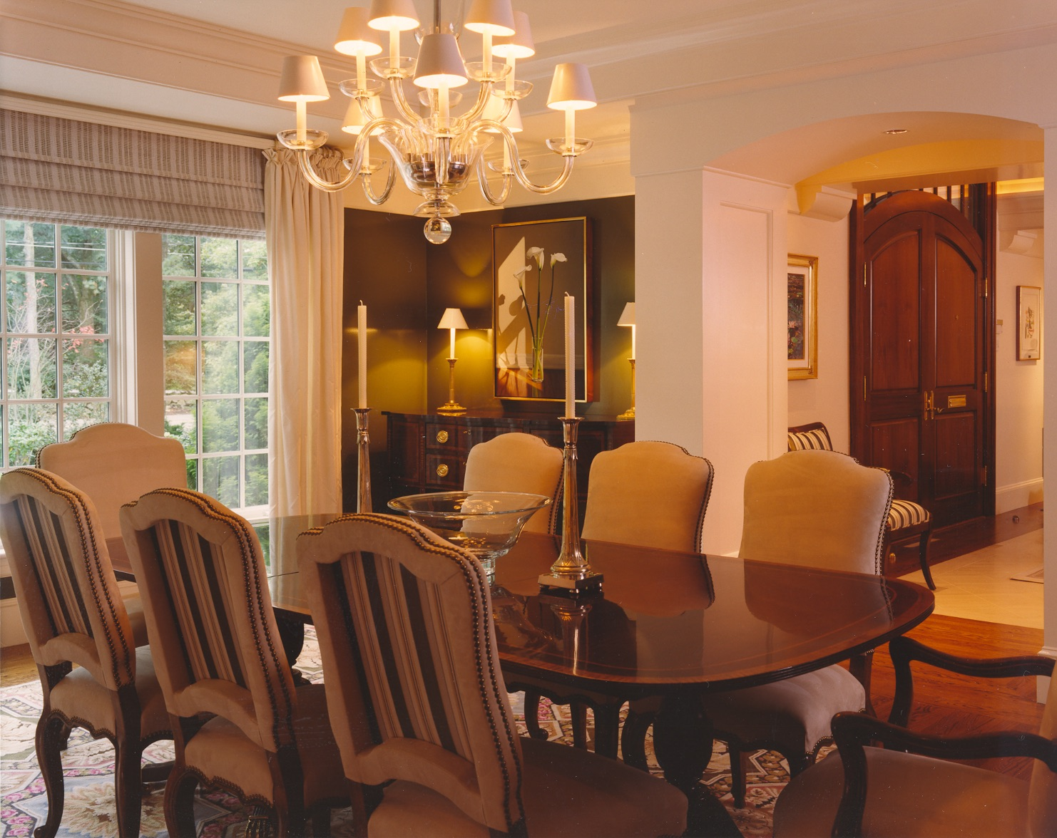 Transitional, country-influenced dining area.