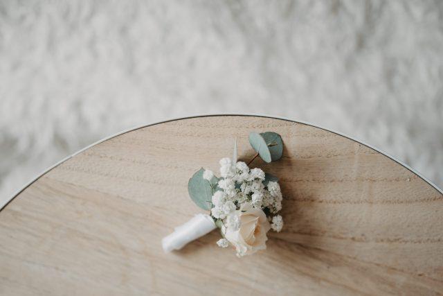 rever za svadbu šlajer ruža eukaliptus