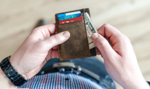 How to Use Cash, Credit Cards or Debit Cards to Your Advantage