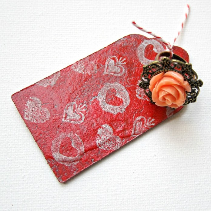 Crackled-Wood-Tag-with-ring
