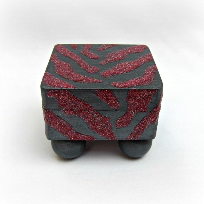 DIY-Glitter-Zebra-Box1