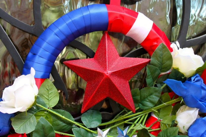 Homecoming Patriotic Wreath