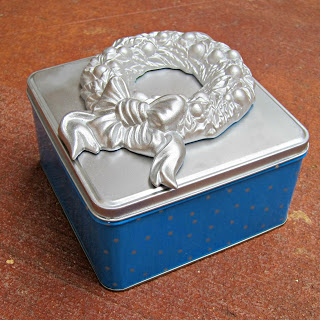 recycled-holiday-tin-craft