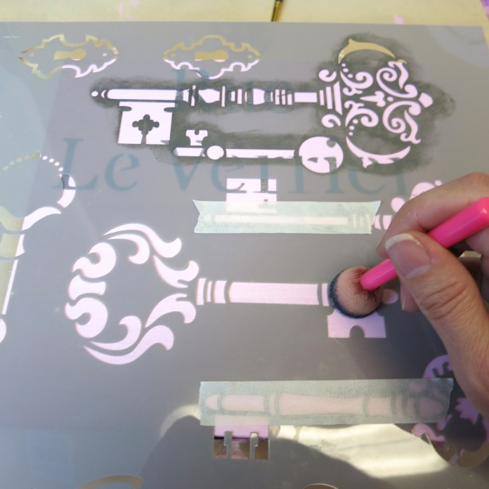 how to stencil cigar box