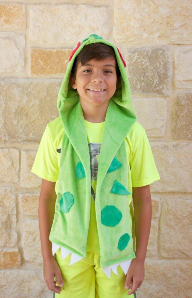 bulbasaur scarf