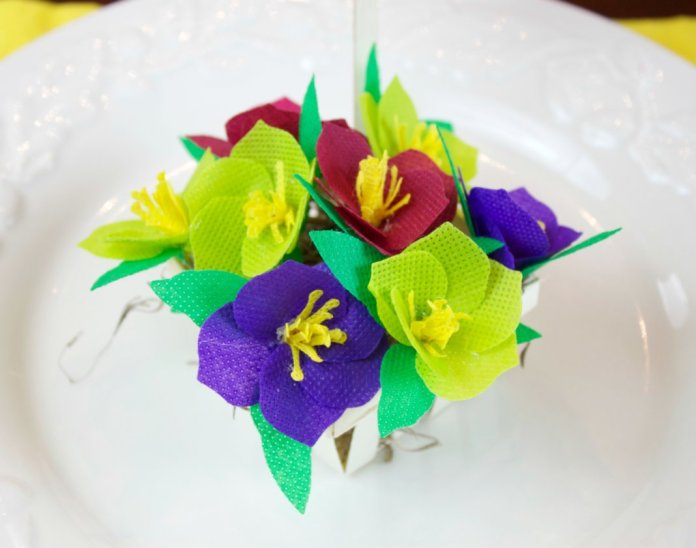 fabric flowers place card holder