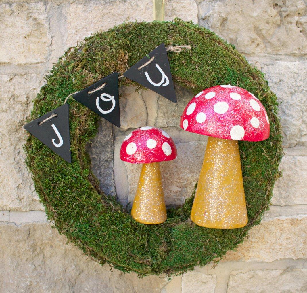 mossy mushroom wreath tutorial