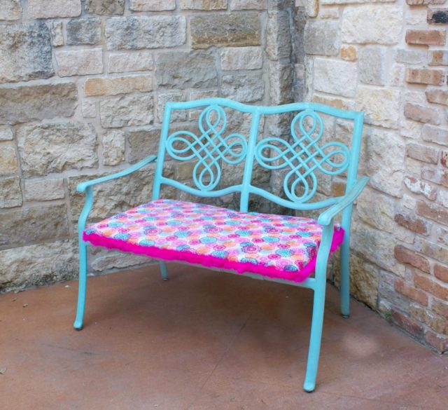 Learn how to create a summer bench with this super simple makeover project!  Add a beautiful pop of color to your outdoor decor.