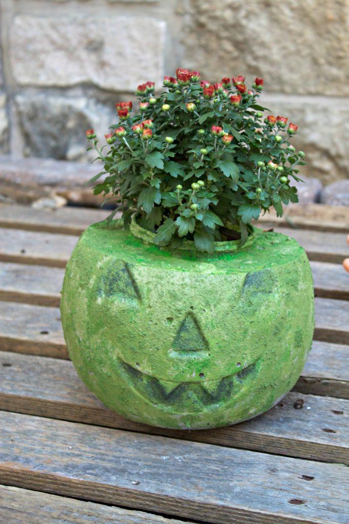 how to make a pumpkin planter for fall