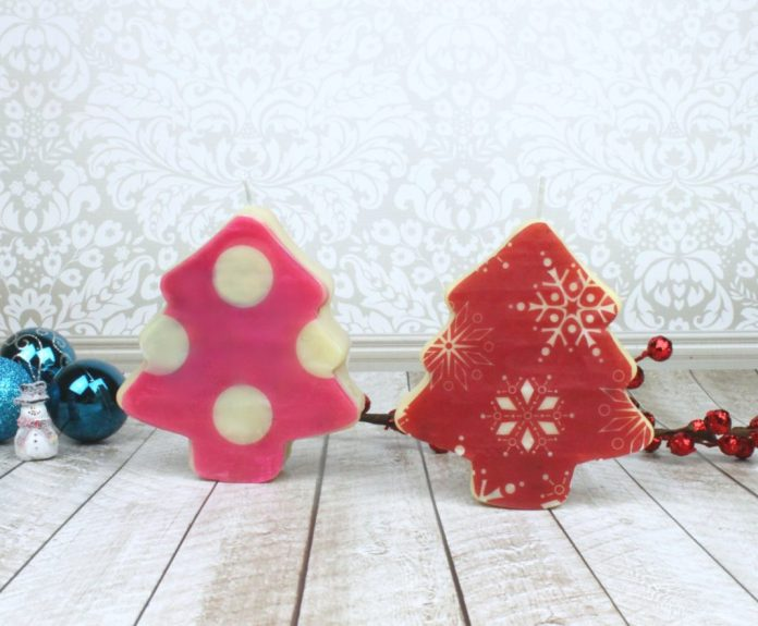 molded Christmas candles tutorial